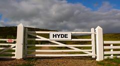 HYDE gaTe  (m+m+t) Tags: newzealand sign gate hyde type southisland otago biketour cycletour railtrail otagorailtrail