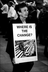 Where is the change?? (luca.nassini) Tags: no more wars manifestazione contro guerra pace peace pascifisti corteo grand central new york ny nyc manhattan usa united states stati uniti conflitto bombe bomba