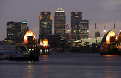 London Canary Wharf (david.bank (www.david-bank.com)) Tags: uk england london thames river twilight dusk bluehour canarywharf o2centre millenniumdome thamesbarrier onecanadasquare