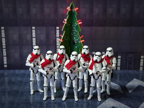 Imperial carolers