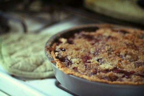 cherry pie with crumble topping