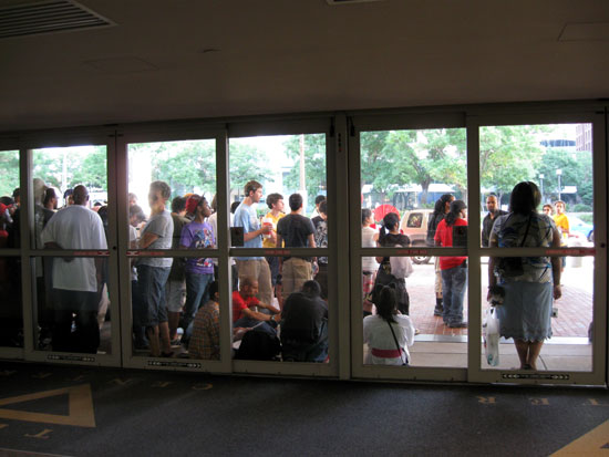 Crowd Outside, Friday morning (Click to enlarge)