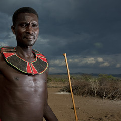 Pokot man with beaded ruff, Kenya (Eric Lafforgue) Tags: africa portrait people man face necklace kenya african flash culture tribal explore human tribes warrior afrika stick tradition tribe ethnic kenia tribo gens visage afrique ethnology tribu eastafrica rift 7405 pokot qunia guerrier lafforgue ethnie  qunia    kea   pokhot africa east  humainpersonne a