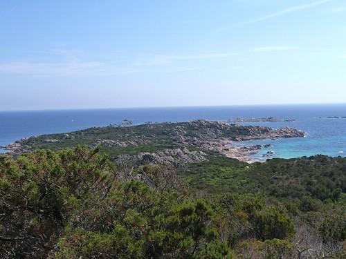 Sur le sentier littoral des Bruzzi : la pointe des Bruzzi et les îles