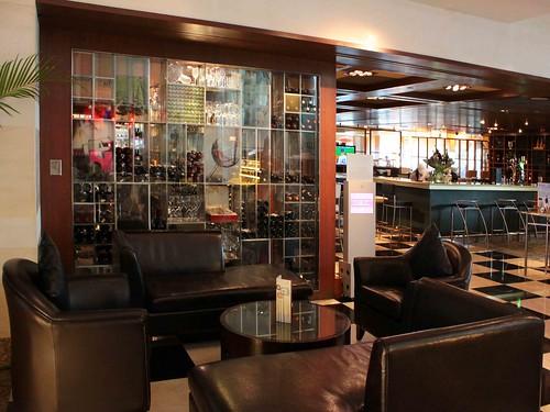 Vintage Bank bar