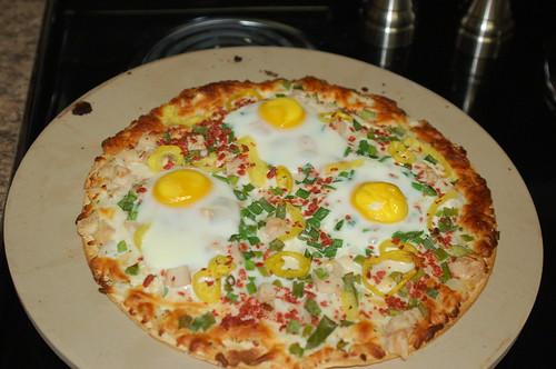fried egg on a pizzza?