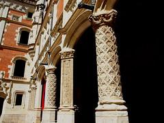 Blois 2 (e_velo (εωγ)) Tags: photoshop travels gothic olympus viajes loire viatges chateaux castillos 16thcentury castells castels sxvi e620