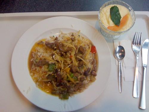 Rindfleischstreifen & Bambussprossen