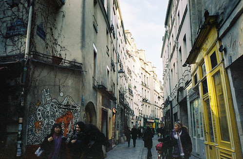 parisalleyway