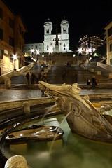 Trinit dei Monti (Roberto Marconi) Tags: italy rome roma scale water fountain night italia acqua fontana notte spagna monti notturno trinit barcaccia scalini trinita