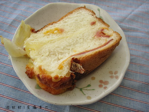 哈肯舖起司火腿土司麵包仔細看