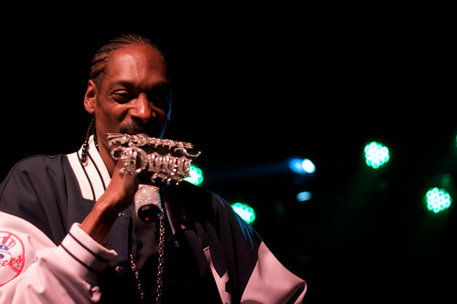 Snoop Dogg performing at Brooklyn Bowl