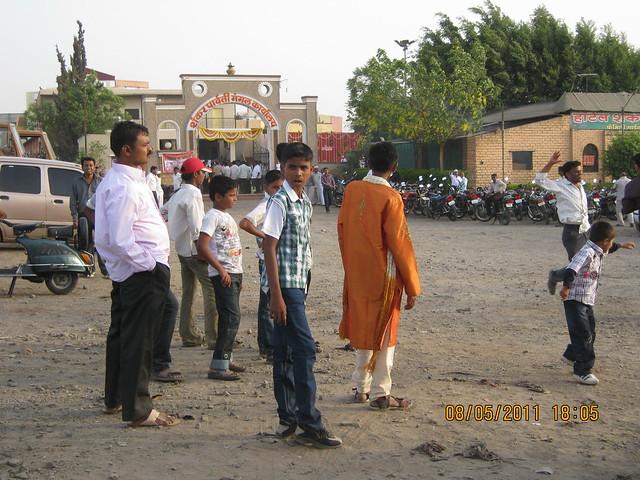 Shankar Parvati Mangal Karyalaya - Suyog Lucky Homes - 1 BHK 2 BHK 3 BHK Flats - near Moze College - Wagholi - Nagar Road - Pune - is behind this!