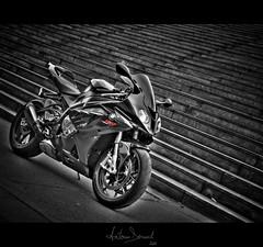 S1000 RR (Antonin Douard) Tags: sky cloud sun paris landscape james soleil rr troy motorbike leon jorge lorenzo moto bmw motorcycle motogp nuage bercy rossi valentino superbike vitesse haslam ayrton s1000 corser toseland s1000rr badovini