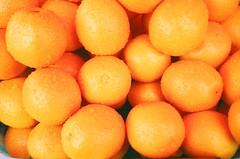 market stories: oranges (liloolohn) Tags: market oranges zelenograd