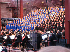 Mormon Tabernacle Choir at Red Rocks. (tracy out west) Tags: music colorado redrocks choralmusic mormontabernaclechoir 29june2009