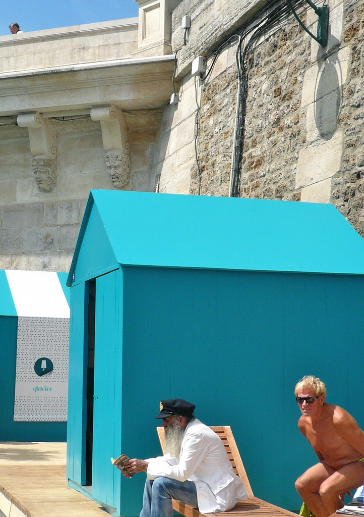 Paris Plage. Colour, Pont Neuf, permatans and old sea dogs! Photo: JasonW