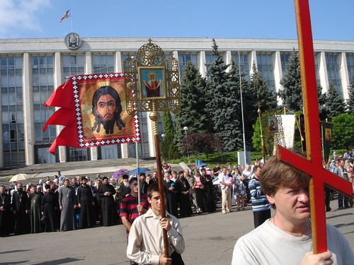 """Protestul Ortodox împotriva Sărbătorii """"Urmează Biblia"""" organizat de Adventişiti din Moldova."""
