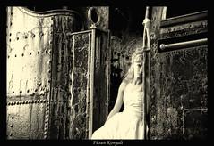 runaway bride_0096 (Fusun Konyali) Tags: train bride ttd bridalgown tamron1750 trashthedress nikond300
