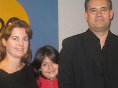 SAMUEL MONGRUT CON SU ESPOSA E HIJA