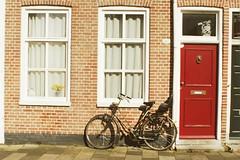 500 days of summer. (veskul!) Tags: windows summer 20d netherlands bicycle canon groningen
