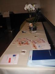 Vorbereitungen (ERESNET GmbH) Tags: roadshow seminar workshop tisch merchandising immo eres immobilien makler unterlagen immobiliennet immobilienplattform immobilienmagazin