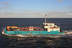 "Supply vessel ""SARA MAATJE VIII"" (cuxclipper ) Tags: elbe cuxhaven mittelplate versorger saramaatje offshorevessel bohrinselversorger supplyvesseltug"