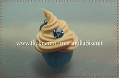 Cupcake (Alane • maria julia biscuit) Tags: vintage handmade artesanato biscuit cupcake strass porcelanafria coldporcelain feitoamão