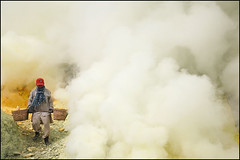 working man and smoke - Kawah Ijen (Maciej Dakowicz) Tags: sea lake work indonesia java asia smoke manatwork working steam health labour environment sulphur worker sulfur heavy hazardous kawahijen souheasasia