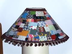 ABAJUR ARTSUCA (Suzana Morais) Tags: bonecas patchwork abajur malas portaretratos macacão patchcolagem artsuca