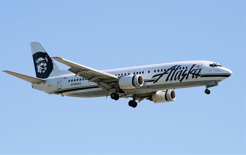 09_800px-Alaska-737-4QB-YVR