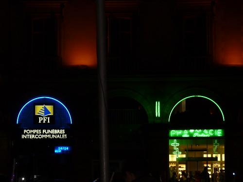 Contiguïté malencontreuse. Tours, samedi 19 décembre 2009.