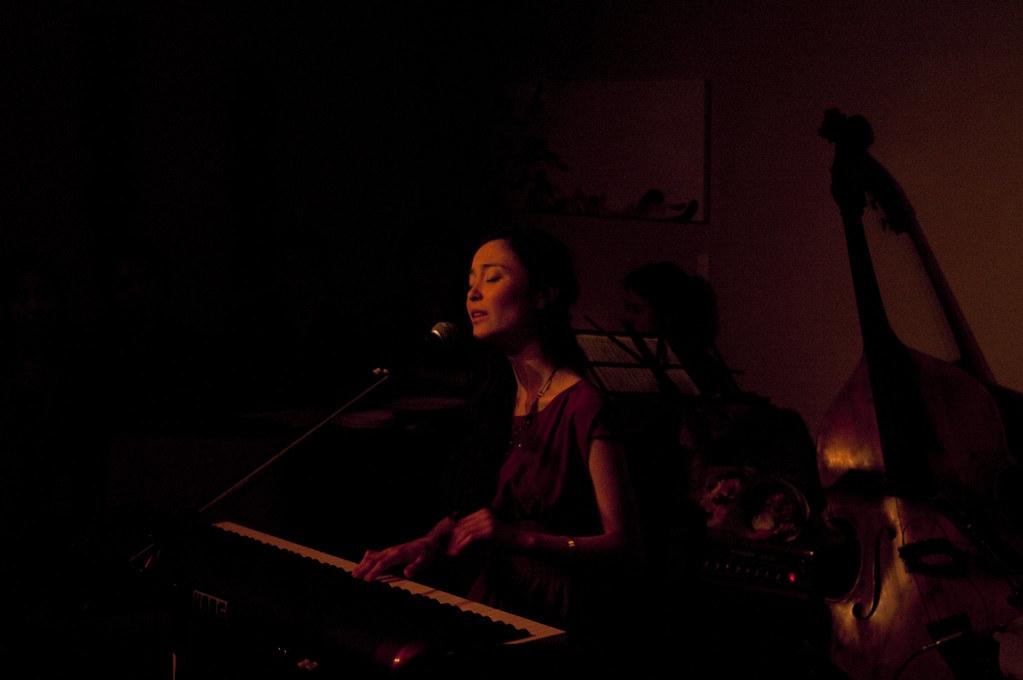 emi meyer live1314