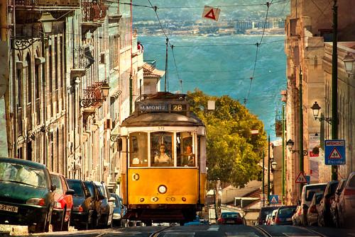 フリー写真素材, 乗り物, 電車・列車, 路面電車, 街角, ポルトガル,