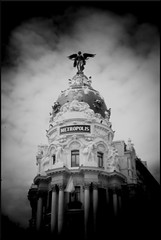 5D Madrid Metropolis Building not Sq 2 (Miles Davis (Smiley)) Tags: madrid blackandwhite dark spain 5d canon5d dslr vignette canon5dmk1 holgahlclensforcanondslr