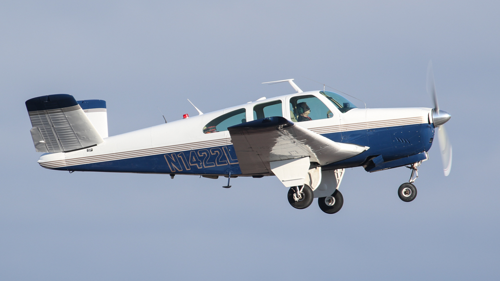 The World's Best Photos of 35 and beechcraft - Flickr Hive Mind
