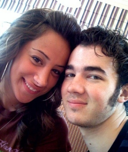 kevin-jonas-danielle-deleasa-engaged