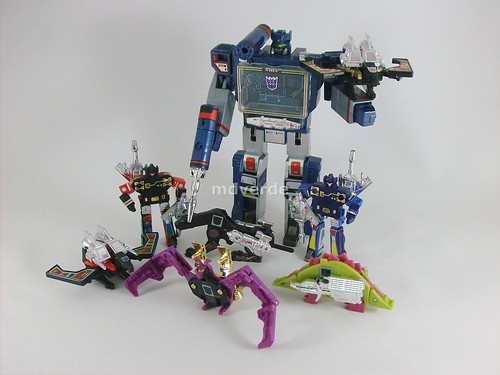 Transformers Soundwave con casetes G1