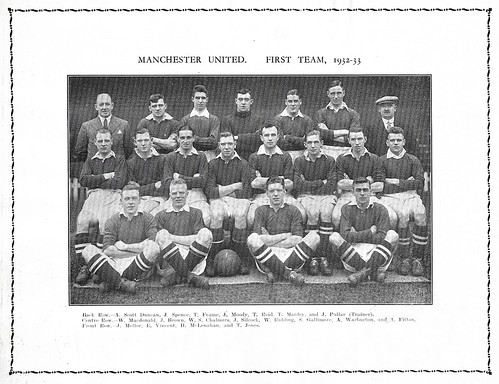 Manchester United 1932-33 team photograph