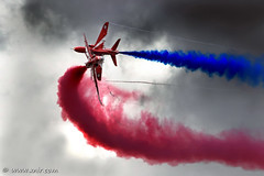 The Red Arrows RIAT 2009 (xnir) Tags: red england canon eos is team force britain hawk aircraft aviation air united royal kingdom airshow arrows bae raf aerobatic aerobatics nir the  100400l benyosef 100400 t1a xnir  photoxnirgmailcom