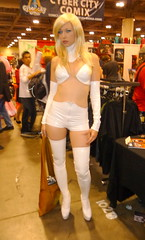 (Sick On Sin) Tags: toronto fan kat frost expo emma 2009 curtis