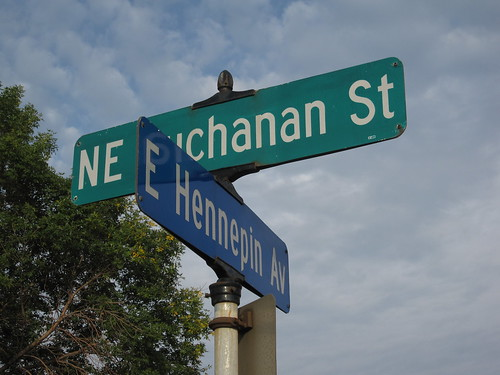 NE Buchanan St and E Hennepin Ave
