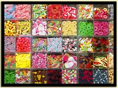 bonbons (@lain G) Tags: couleurs tours bonbons lieux boites valdeloire