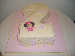 bolo Mafalda (Isabel Casimiro) Tags: cake christening playstation mafalda bolos bolosartisticos bolosdecorados bolopirataecupcakes bolopirata bolosdeaniversrocakedesign bolosparamenina bolosparamenino
