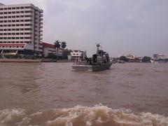 PA250129 (Box and Arrow) Tags: thailand bankok chaophrayariver
