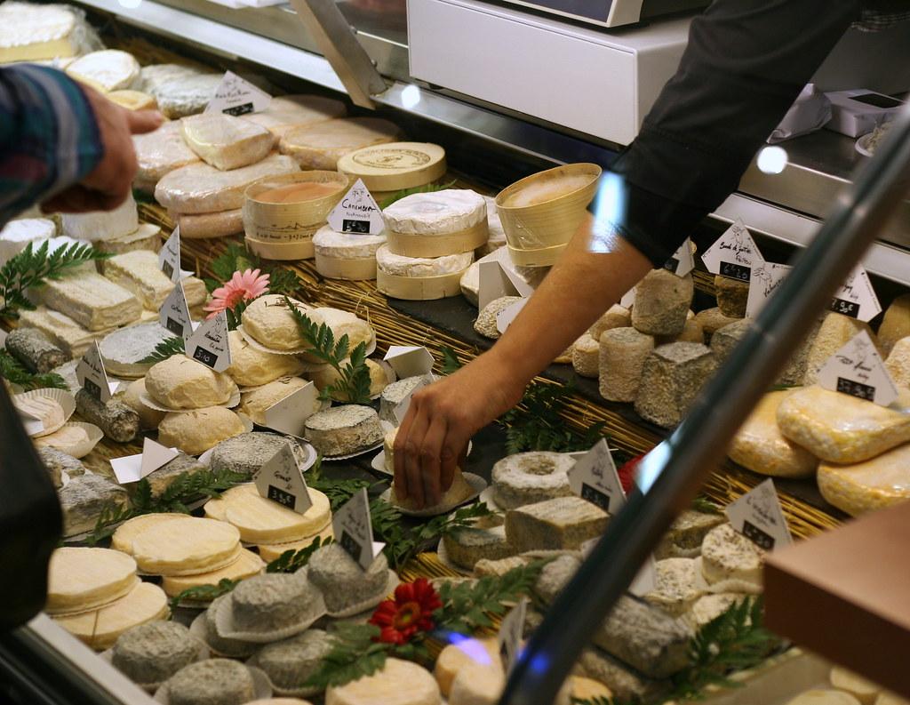 Fromage au marché à Toulouse