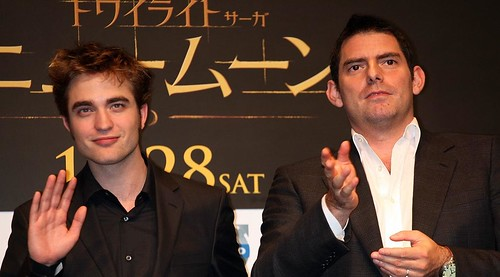 robert-pattinson-chris-weitz-japan-02