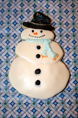 Button Up (alicakescupcakery) Tags: blue winter white black hat scarf snowman cookie buttons frosty alicakes alicakescupcakery