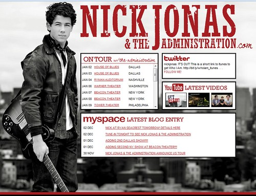 nick-jonas-administration-grammy-concert-12