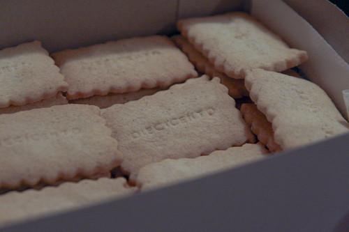 Diecicento biscotti